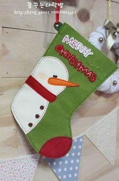 Cute Felt Christmas Stockings, part 3 Felt Christmas Stockings, Christmas Stocking Pattern, Felt Christmas Decorations, Christmas Sewing, Christmas Fun, Christmas Projects, Felt Crafts, Christmas Crafts, Felt Snowman