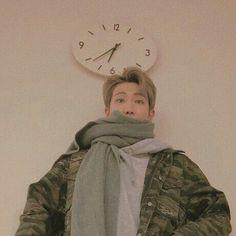 -photo themes for kpop. Jimin, Bts Bangtan Boy, Mixtape, K Pop, Rapper, Jin Kim, Brown Aesthetic, Korean Boy, Kim Namjoon