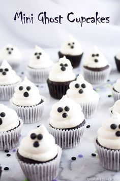 Mini Ghost Cupcakes – bite-sized mini cupcakes topped with ghoulish vanilla buttercream ghosts. Bite-sized mini cupcakes topped with ghoulish vanilla buttercream ghosts. Mini Cupcakes, Ghost Cupcakes, Cupcake Cakes, Kid Cakes, Party Cupcakes, Coconut Cupcakes, Cheesecake Cupcakes, Halloween Cupcakes, Halloween Treats