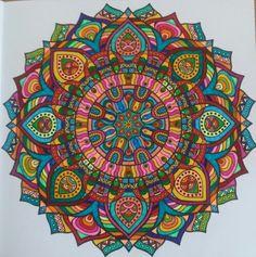 Kleuren voor volwassenen. Mandela kleurboek derde editie. Gekleurd door Bea Smit.