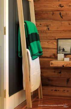 With recent fluctuating temps, light layers are the key to staying comfortable. Outdoors and well as in. To neatly store extra blankets, I built a leaning ladder for our bedroom. To get started, …