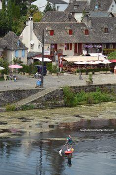 Stand Up Paddle Sur les Quais d'Argentat en Corrèze