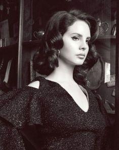 Lana Del Rey for Complex Magazine Elizabeth Woolridge Grant, Elizabeth Grant, Queen Elizabeth, Pretty People, Beautiful People, Amazing People, Lana Rey, Beauty Queens, Woman Crush