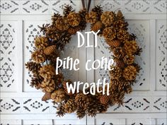 Door wreath made of cones : Make a door wreath from cones. You need: a metal ring, washers, Bockerl and the hot glue gun Make a door wreath from cones. You need: a metal ring, washers, Bockerl and the hot glue gun Pine Cone Art, Pine Cone Crafts, Wreath Crafts, Diy Wreath, Door Wreaths, Pine Cone Wreath, Natal Natural, Pine Cone Decorations, Natural Christmas Decorations