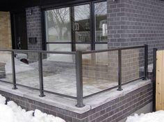 Verre seul 5mm – Déco-Rampe Balcony Glass Design, Glass Balcony Railing, Glass Porch, Balcony Railing Design, Glass Fence, Exterior Stair Railing, Frameless Glass Balustrade, Summer House Garden, Buy My House