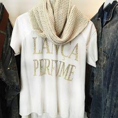 Pausa para o almoço e para as compras! Golas e tshirts no inverno sempre são bem vindas! #lplovers #lancaperfume #winter15