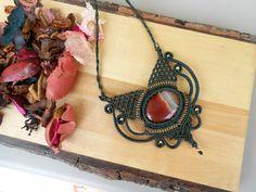 handmade necklace,macrame necklace,agate necklace,festival necklace,gemstone necklace,boho chic,handmade necklace,macrame pedant,bohemian