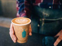 Here are our favorite coffee shops in Los Angeles—from a cute latte art fixture to a spot that serves you liquid nitro ice cream to go along with your coffee. Espresso Coffee, Coffee Cafe, Coffee Drinks, Iced Coffee, San Francisco Shopping, Blue Bottle Coffee, Nitro Coffee, Best Beans, How To Order Coffee