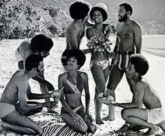 African American hairstyle history.  Well written with a great array of photos.