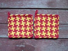 Red and Yellow Ketchup Mustard Color Pinwheel Pair of Woven Cotton Vintage Style Loop Loom Potholder Farmhouse Kitchen Farm Rustic Cabin