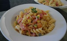 Συνταγές για μικρά και για.....μεγάλα παιδιά: Νόστιμη μακαρονοσαλάτα! Pasta, Food And Drink, Ethnic Recipes, Pasta Recipes, Pasta Dishes