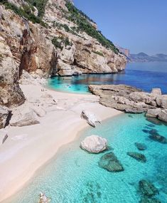 Europe beach in Italy - Looking for the best Europe beach destinations to hit this summer vacation? Checkout our list of the top 10 beaches in Europe! Destin Beach, Beach Trip, Beautiful Islands, Beautiful Beaches, Places To Travel, Places To Go, Travel Destinations, Europe Beaches, Photos Voyages