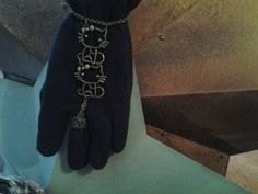 Hello Kitty Handflower Bracelet for the May Challenge.