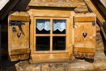 Výsledok vyhľadávania obrázkov pre dopyt polskí goralí Tatra Mountains, Alpine Village, Home Landscaping, Log Homes, Window Coverings, Play Houses, Windows And Doors, Shutters, Poland