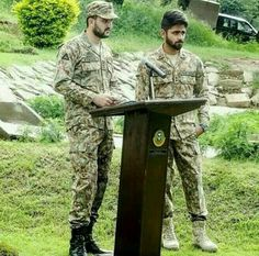 I love pak army 《♡》 Sherhyar Ahmed Pak Army Quotes, Pakistan Zindabad, Pakistan Fashion, Pak Army Soldiers, Army Pics, Pakistan Armed Forces, Defence Force, First Love, My Love