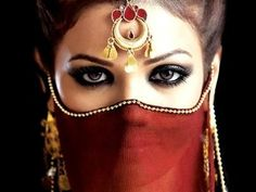 The artificial lashes make the eyes look really intense. Makeup gives Arab women a mysterious, eastern look. Arabian Eyes, Arabian Beauty, Arab Models, Dps For Girls, Stylish Dp, Arabic Makeup, Celebrity Wallpapers, Belly Dancers, Beautiful Eyes