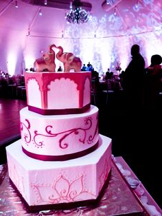 Amazing cake!!! How sweet! #southasianwedding  www.dandrfilms.com