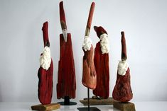 Driftwood-art Santas by Dr. İftwood, via Flickr