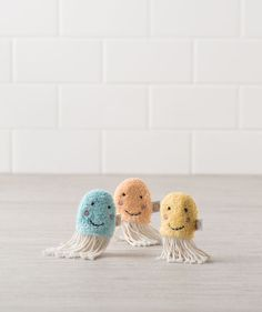 These Jellyfish Finger Puppets are great for bath time or any time fun! These plush baby toys are made with our softest terry cloth and have knit yarn tentacles. Available exclusively from Hallmark Baby