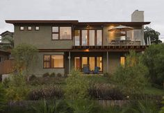 Contemporary Exterior Photos Flat Roof Two Storey House Design, Pictures, Remodel, Decor and Ideas Stucco Colors, Exterior Paint Colors, Exterior House Colors, Paint Colors For Home, Stucco Homes, Stucco Exterior, House Paint Exterior, Exterior Design, Exterior Houses