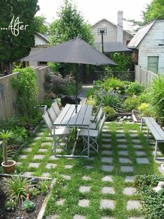 25 Outdoor Before-and-Afters. 25 Inspiring Outdoor Spaces Before & After - awesome DIY gardens and patios Small Gardens, Outdoor Gardens, Dream Garden, Home And Garden, Lush Garden, Backyard Studio, Small Backyard Landscaping, Backyard Ideas, Landscaping Ideas