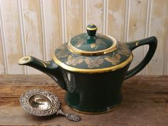 Vintage Hall Teapot USA / 6Cup Teapot / Hall by AlegriaCollection, $28.00