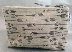 Arrow Linen Zip Bag