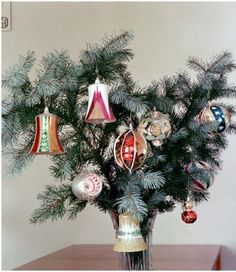 Vánoční Retro Christmas, Christmas And New Year, Christmas Wreaths, Christmas Bulbs, Christmas Table Settings, Childhood Memories, Holiday Decor, Nostalgia, Home Decor