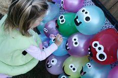 Colorir balões-mostros!