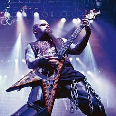 Happy birthday to Kerry King who turned 52 today.