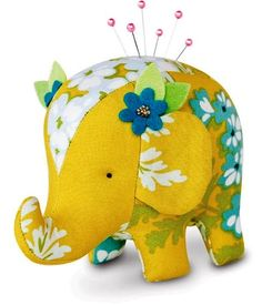 This sewing kit includes materials to make one elephant pincushion or toy. With Heather Bailey fabric and designer felt included, you will love to sew up a circus of hip, cool pincushions for you and your friends. Or make an elephant toy or baby mobile. Sewing Patterns Free, Free Sewing, Pattern Sewing, Free Pattern, Softies, Heather Bailey, Elephant Pattern, Sewing Accessories, Sewing Projects For Beginners