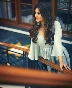 9 Looks Of Jennifer Winget That'll Make You Fall In Bepannaah Pyaar Jennifer Winget Beyhadh, Jennifer Love, Girls Dpz, Bollywood Celebrities, Famous Celebrities, Female Celebrities, Indian Designer Wear, Stylish Girl, Indian Dresses