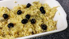 Ingredientes:    Bacalhau demolhado 2 postas  200 g batata palha  1 cebola  2 dentes de alho  Azei...