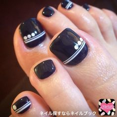We all want beautiful but trendy nails, right? Here's a look at some beautiful nude nail art. Black Toe Nails, Pretty Toe Nails, Cute Toe Nails, Diy Nails, Pretty Pedicures, Pedicure Designs, Pedicure Nail Art, Toe Nail Designs, Toe Nail Art