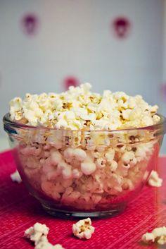 Pipoca FIT | COZINHA PARA 2 : Cozinha para quem não sabe cozinhar. Sem fogão, sem complicação. Vídeos de receitas deliciosas, com poucos ingredientes. Tudo simples e rápido.
