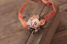 Newborn elastic flower headband by EvaFleurs on Etsy Star Flower, Flower Crown, Flower Head Wreaths, Thank You Flowers, Groom Boutonniere, Hair Comb Wedding, Elastic Headbands, Corsage, Flowers In Hair