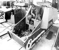 A rare factory photo of a Nashorn being assembled in a factory