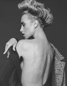 That's so me, Masha Rudenko by Sina Goertz Factice Magazine Exclusive, January 2015 Beauty Photography, Fashion Photography, Magazine Editorial, Digital Magazine, Print Magazine, French Fashion, Stylists, Hair Makeup, Poses