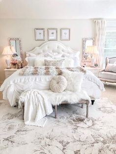 A beautiful vintage glam home tour, set in Minnesota. There is so much to see in this home including a mix of vintage glam, farmhouse chic. Shabby Chic Bedrooms On A Budget, Shabby Chic Homes, Shabby Home, Vintage Glamour, Shabby Vintage, Bedroom Vintage, Farmhouse Chic, Country Farmhouse, Minnesota