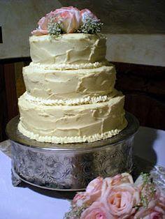 Vanilla/Chocolate cake w/ chocolate fudge/raspberry fillings. Floral Wedding Cakes, Wedding Cake Designs, Beautiful Wedding Cakes, Gorgeous Cakes, Fancy Cakes, Cute Cakes, Raspberry Filling, Homemade Butter, Chocolate Fudge