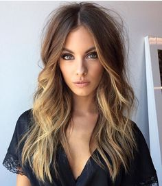 LOVE this hair color and cut, the length is perfect. I'm going to do something similar with my hair soon hopefully!