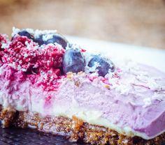 Raw Berry Coconut Cheesecake