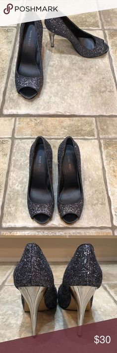 EUC Nine West Heels (5.5) Beautiful sparkling shoes, ready for holiday parties. Nine West in excellent used condition.   Size - 5 1/2 Nine West Shoes Heels