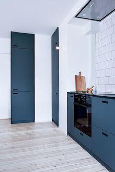 Et si on osait la couleur en cuisine? Sélection des plus jolies cuisines aux meubles colorés.