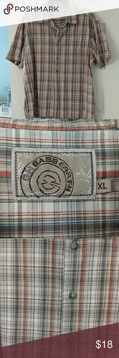 G.H. Bass Earth shirt Really nice men's shirt great condition nice earthy colors. g. H. Bass Earth Shirts