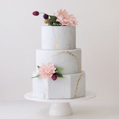 www.sugarlipscakes.com || Marble Wedding Cake || Metallic Wedding Cake || Hexagon