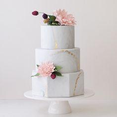 www.sugarlipscakes.com || Marble Wedding Cake || Metallic Wedding Cake || Hexagon