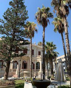 Угадайте что это за здание в Лимассоле? . #кипр2019 #лимассол2019 #cyprusbutterfly Cyprus News, Mansions, House Styles, Home Decor, Decoration Home, Manor Houses, Room Decor, Villas, Mansion