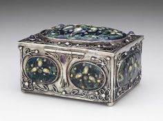 Decorated box (silver with floral cloisonné enamel and amethyst cabochons) 1912 by Elizabeth Ethel Copeland ( 1866–1957). Image and text courtesy MFA Boston.