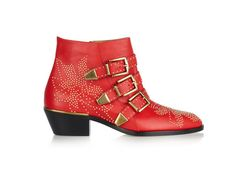 Chloé bottines Susanna rouge http://www.vogue.fr/mode/shopping/diaporama/cadeaux-de-noel-rouge-fatal/10938/image/651526#chloe-bottines-susanna-rouge